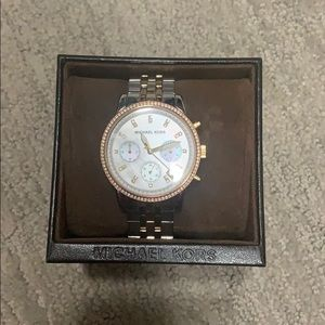 Michael Kors Watch in Beautiful Condition!